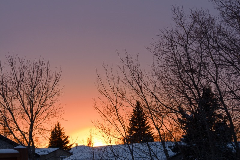 Withdrawal symptoms... now shooting sunsets from the deck... I need to do something about that soon...