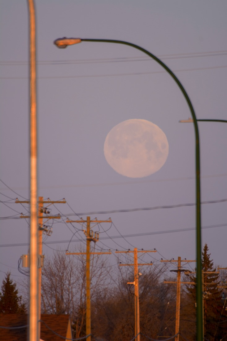Giant Moon illusion