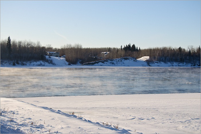 Non frozen Winnipeg River by –25C