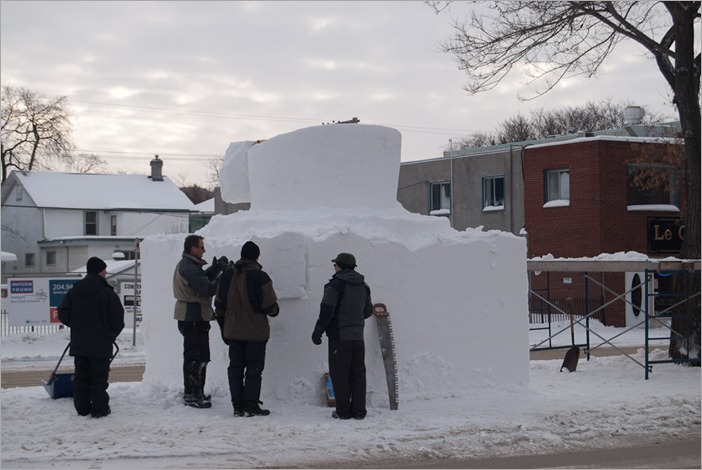 Snow sculptors on Provencher Blvd